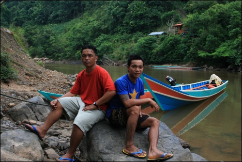 Our river guides Geny and Goy